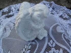 Śpiący Aniołek z gipsu
