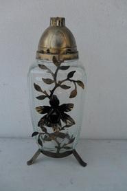 Znicz prostokąt ze złotym kwiatem z metaloplastyki