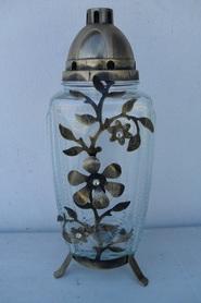 Znicz prostokąt ze złotymi kwiatami z metaloplastyki