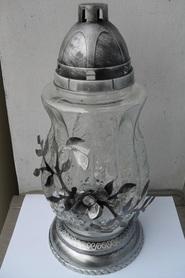 Znicz dzban ze srebrnym kwiatem z metaloplastyki